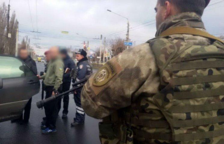 У Краматорську через теракти у Франції місто в день виборів оточили автоматники (ФОТО)