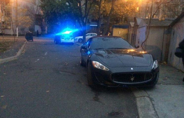 Нова поліція Одеси склала протокол на одну з найдорожчих автівок міста