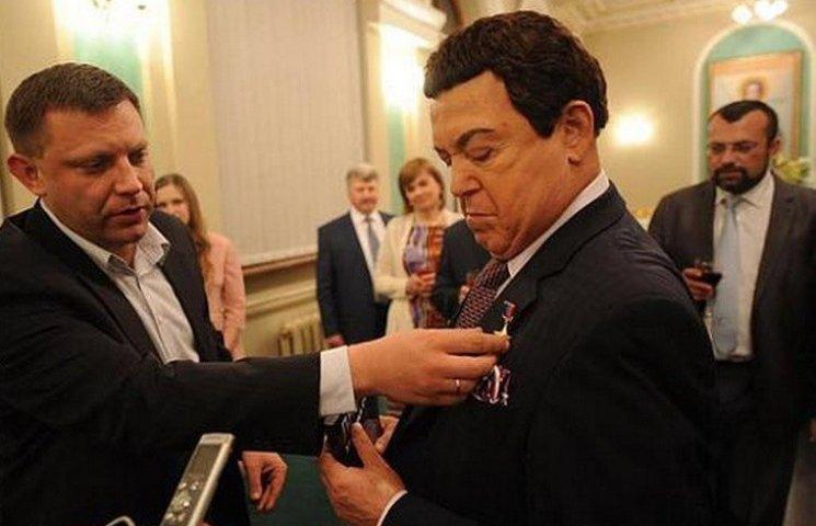 """Кобзон зрівнявся із Захарченком: став """"героєм ДНР"""""""