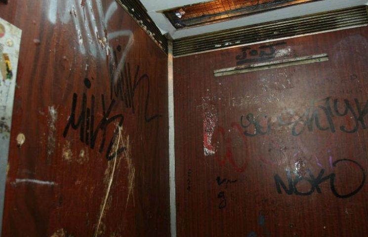 У Києві 9 тисяч ліфтів потребують заміни: Кличко відремонтує тільки 100