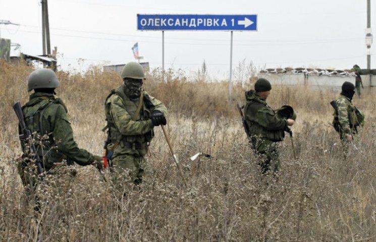 Трехсторонняя контактная группа требует прекратить обстрелы на Донбассе