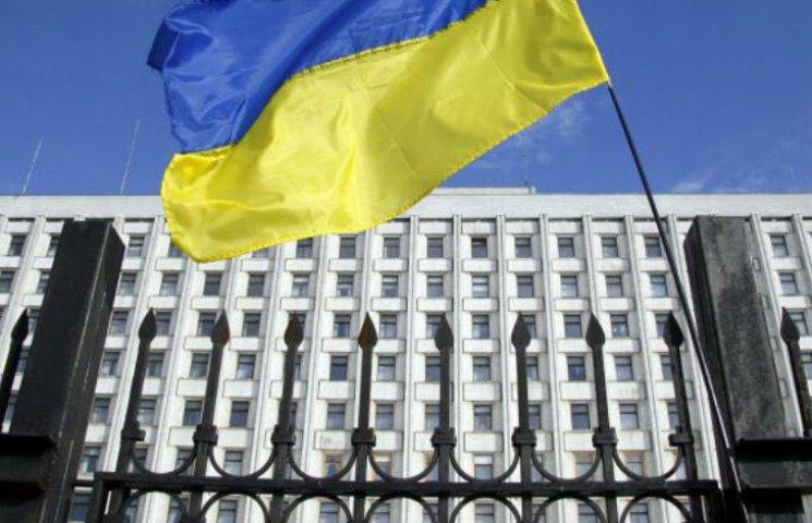 Під ЦВК у Києві автобусами звозять мітингувальників