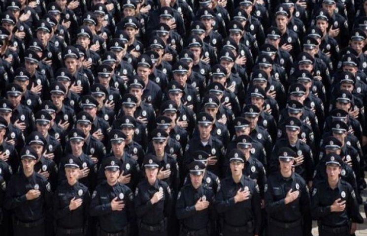Нові закарпатські поліцейські закінчують навчання