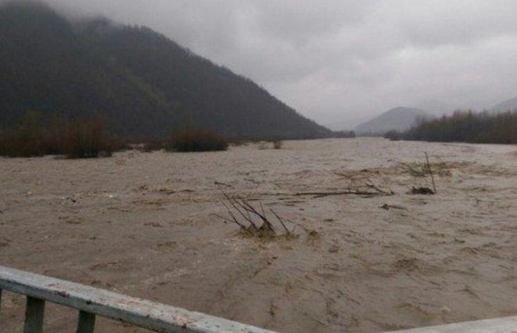 На Закарпатті найбільше від водної стихії потерпають Тячівщина та Рахівщина