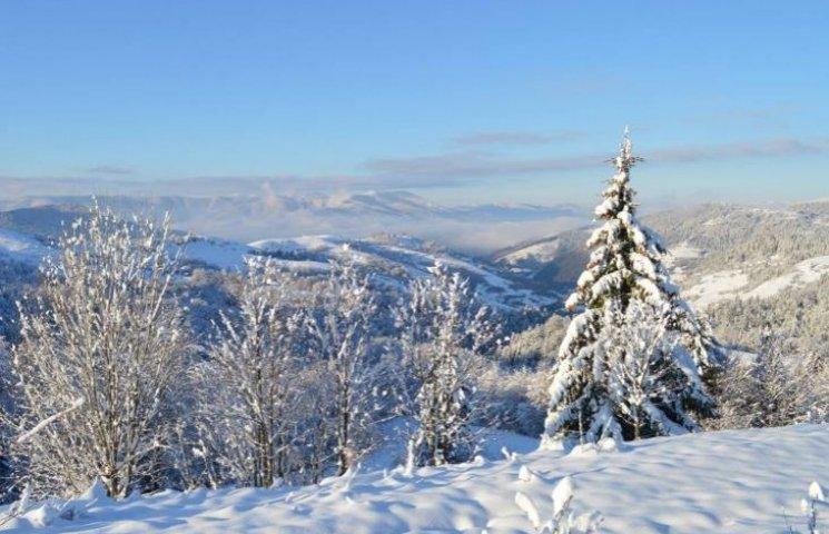 Після страшної повені у Карпати прийшла казкова зима