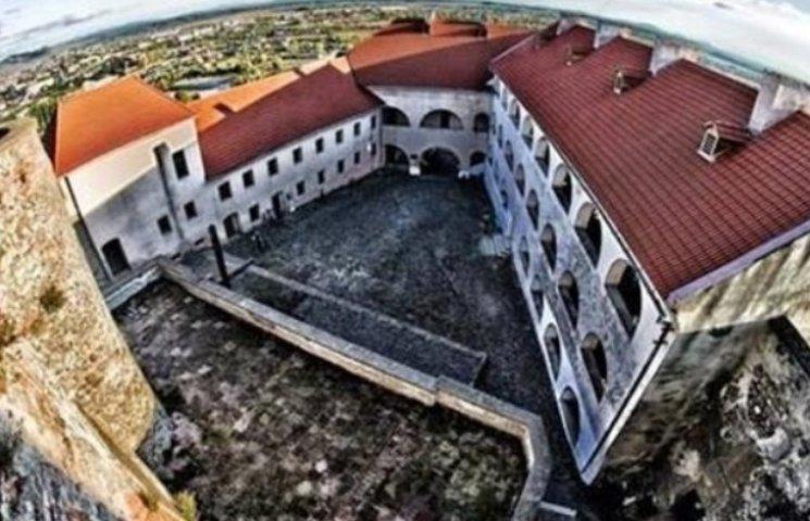 Мінкульт відмовляється від Ужгородського та Мукачівського замків