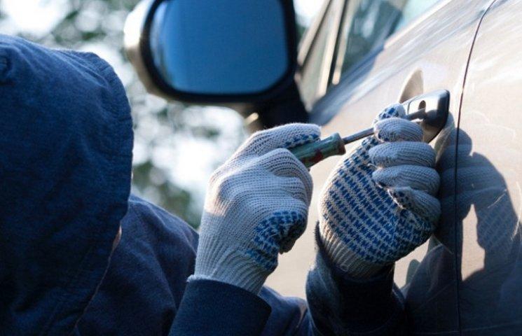 У Кременчуці посадили автомобільного злодія