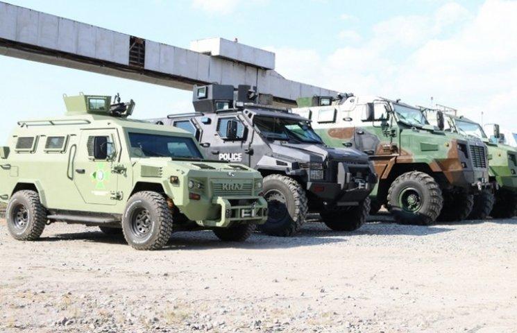 """З нового року """"АвтоКрАЗ"""" покаже нові моделі військових машин"""
