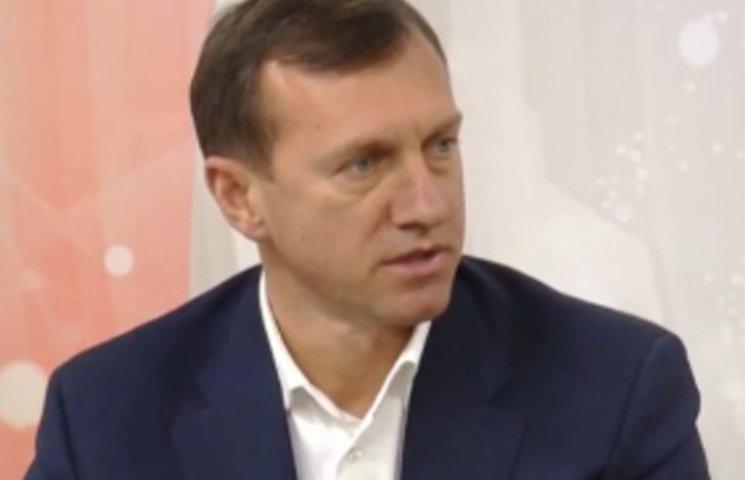 Ужгородські депутати на першій сесії визначили зарплату мера