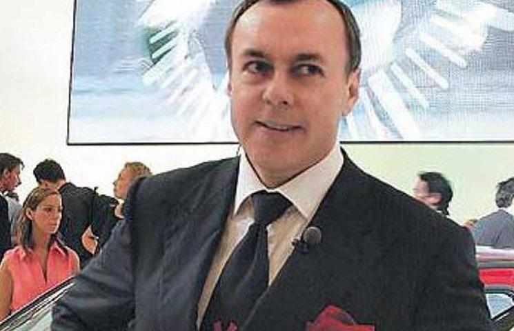 Стали відомі подробиці самогубства банкіра Азарова