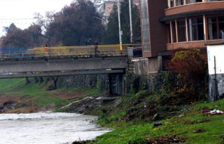У Мукачеві хочуть зробити підземний перехід і підвісний міст