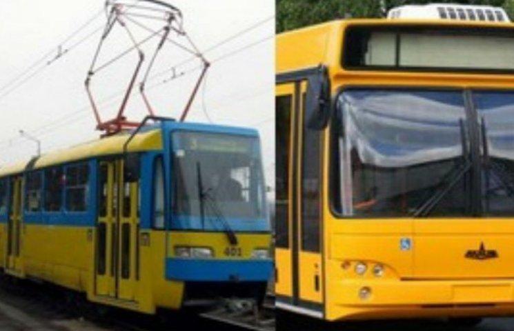 У Києві, крім метро, має подорожчати проїзд у автобусах, трамваях і тролейбусах