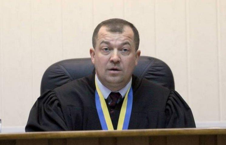 """Голова вінницького суду задекларував чотири земельні ділянки і """"скромну"""" зарплату"""