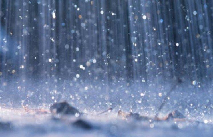 Сильний дощ йтиме у Хмельницькому весь день
