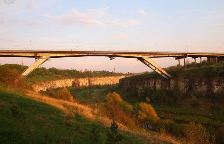 """Первое авто проехало по мосту """"Стремительная лань"""" в Каменце ровно 43 года назад"""