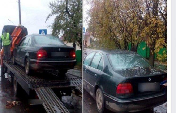 BMW з підробленими агрегатами виявили патрульні у Хмельницькому