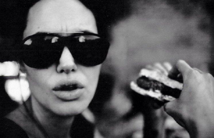 Архивные фото Джоли, которую снимал Питт, покорили сеть