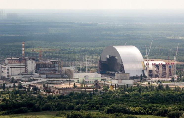 На Чорнобильській АЕС встановлюють новий саркофаг. Що відбувається