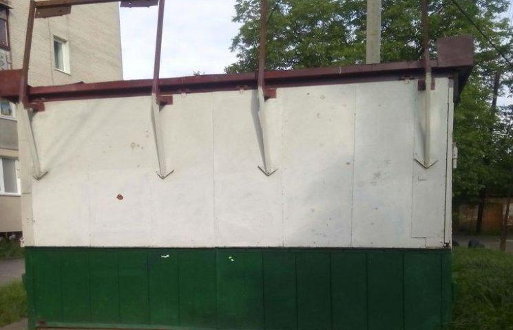 У Хмельницькому на метал поріжуть 11 МАФів