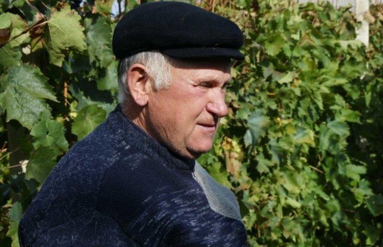 Шиндер з Гальжбіївки вирощує дві сотні сортів винограду і радить пити тільки сухе вино