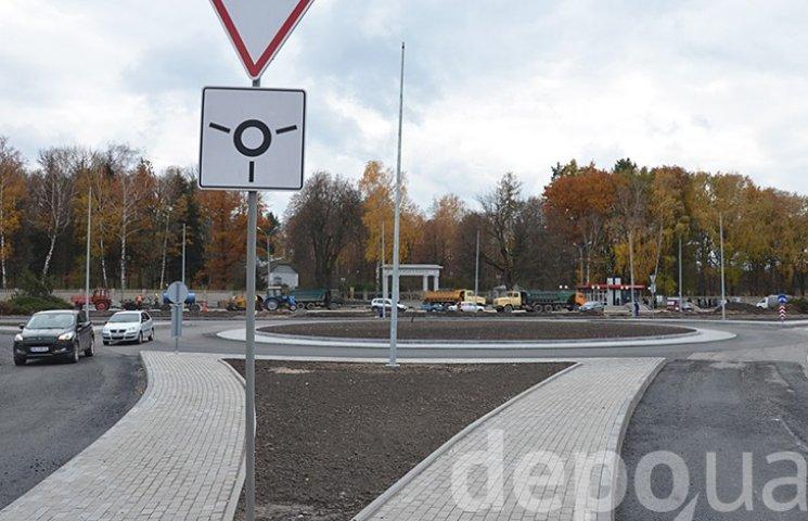 У Вінниці на двох великих перехрестях готують круговий рух