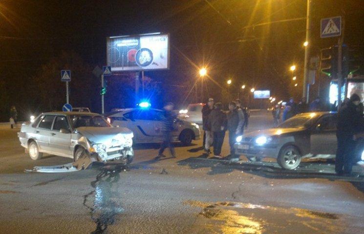 У Харкові зіткнулися три автомобілі