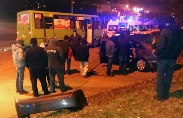 ДТП в Харькове: трое человек погибли, еще семерых госпитализировали