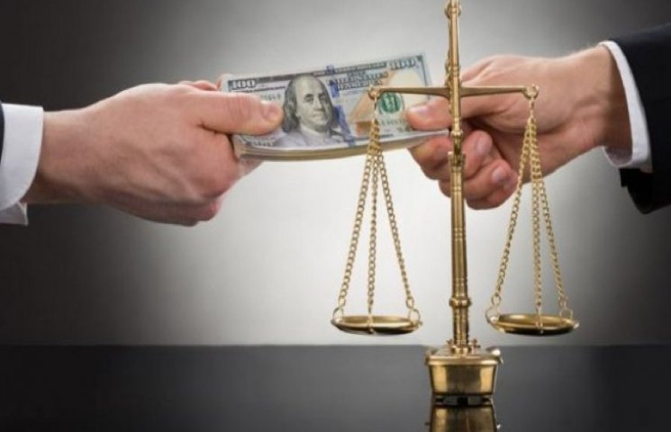 На Хмельниччині прокуратура розпочала десятки кримінальних проваджень щодо корупції