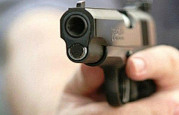 Жителя Кременчука  підстрелили, коли він повертався з автостоянки