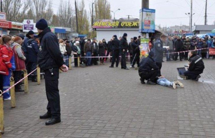 Полицейский спас николаевцев, зажав в руке гранату, которую хотел взорвать преступник