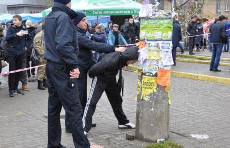 У Миколаєві двоє молодиків, які погрожували поліції гранатою, непричетні до розбою