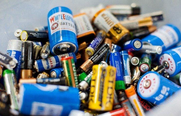 Вінничанин пропонує збирати старі батарейки цивілізовано