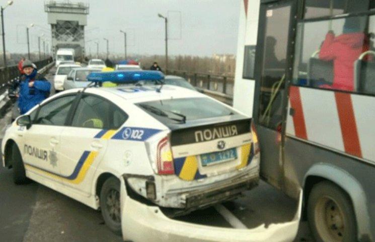 На Полтавщині поліцейський Prius потрапив в ДТП