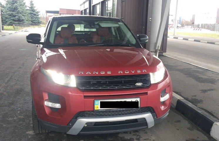 На Харківщині прикордонники виявили автівку з невідповідним номером кузова