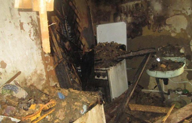 Двоє людей постраждали від вогню на Харківщині