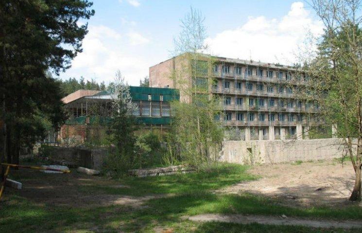 У Кернеса за ціною двох квартир продали комунальний пансіонат на Старому Салтові