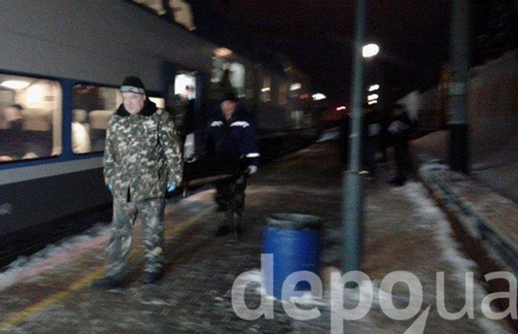 """Тело мужчины, которого убили в поезде """"Интерсити"""", повезли в винницкий морг"""