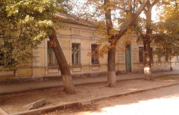 У Полтаві забудовник почав вирубку дерев у середмісті
