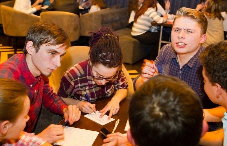 """Відомий телеведучий дав вінницьким студентам майстер-клас зі гри """"Що? Де? Коли?"""""""