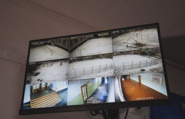 За тяжиловскими школьниками следит система видеонаблюдения