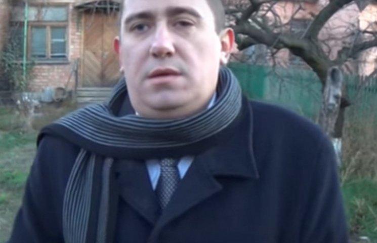 В Никополе правозащитник прячет семью после попытки поджога его дома