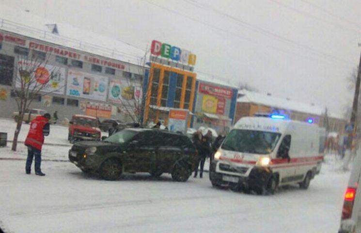 У Лубнах чоловік на Hyundai збив жінку, яка стояла на на узбіччі