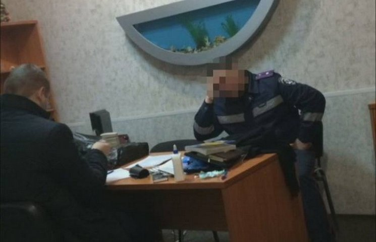 В Каменском руководство патрульной полиции вымогало деньги с подчиненных