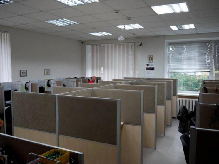 На Полтавщин викрили підпільні контакт-центри, що обслуговували російський банк, фото-1