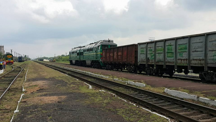 На Запоріжжі для Ахметова будують сьому залізничну колію