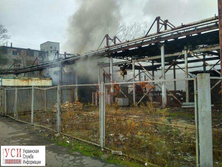 Гасіння пожежі накондитерській фабриці вОдесі