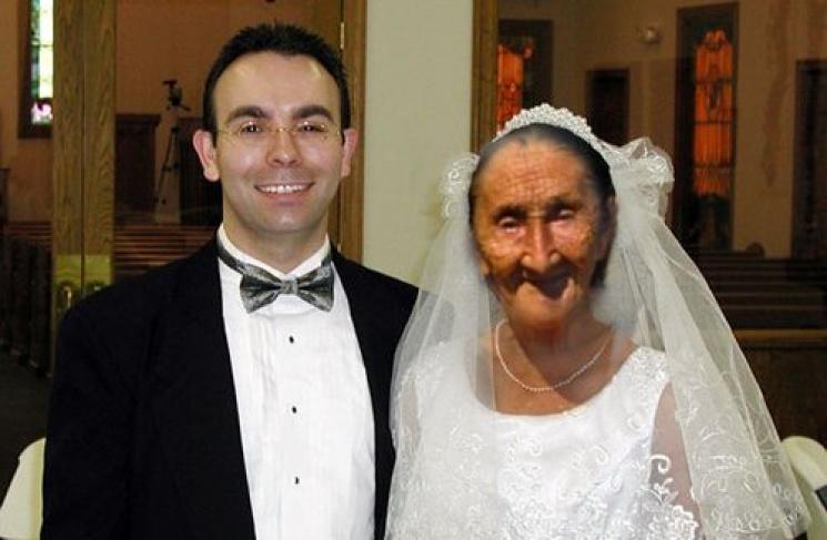 Винницкий призывник женился на 85-летней…