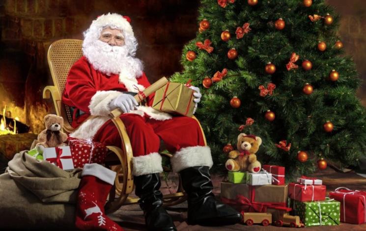 """Мільярд на """"віджатому"""" і суїцид з третьої спроби: Чому Санта у Крим не прийде"""