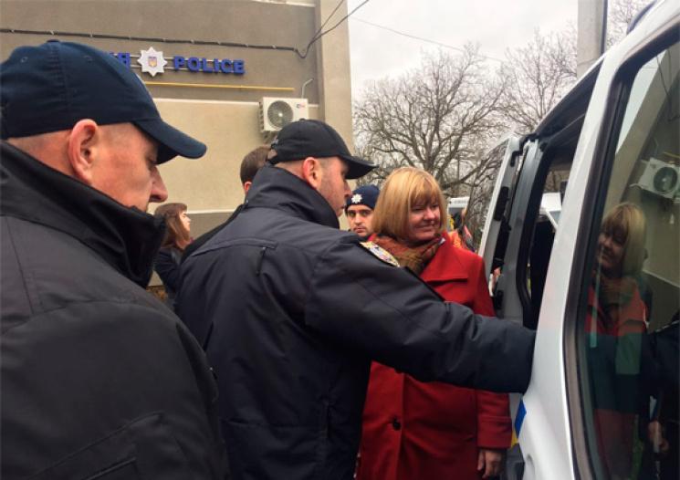 На Хмельниччині запрацювала перша мобільна поліцейська станція (ФОТО)
