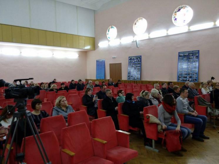 У Харкові на громадське обговорення тарифів на тепло не пустили представників ОБСЄ, - депутат